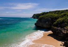 Las playas del litoral catalan (Maresme) pierden terreno debido a los fenómenos torrenciales recientes. Esto ha imposibilitado que las playas hayan podido recuperarse de manera natural y ya acumulan una regresión de entre seis y diez metros de amplitud anuales.